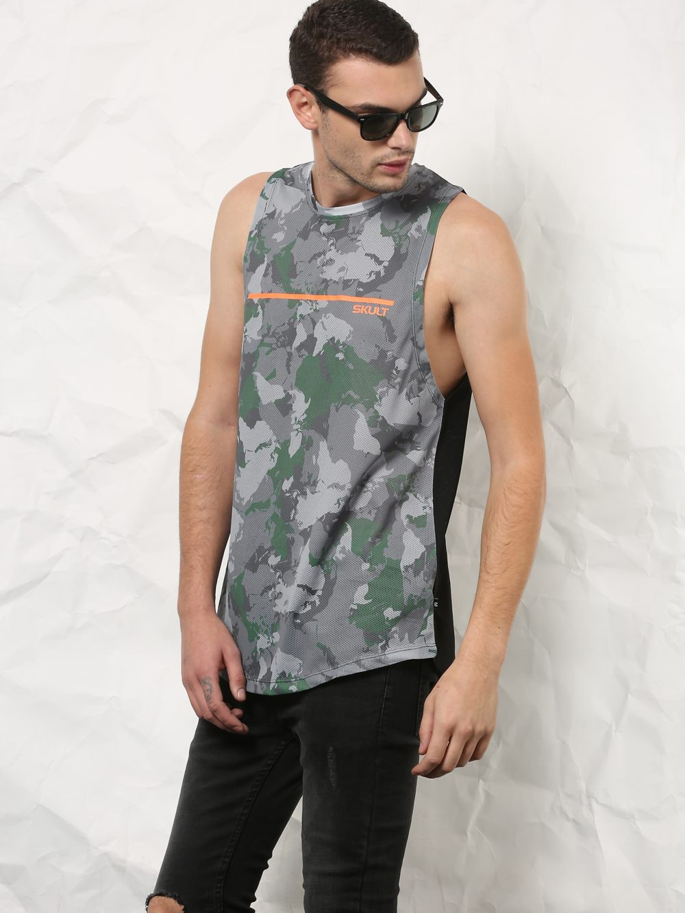 a4bdda89 SKULT by Shahid Kapoor Men Grey & Military Green Camo Print Relaxed Fit  Mesh Vest